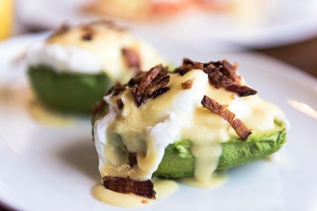 Come enjoy our Avocado Benedict on this lovely Monday morning‼ ➡hass avocados, poached eggs, hollandaise, topped with chopped bacon👍