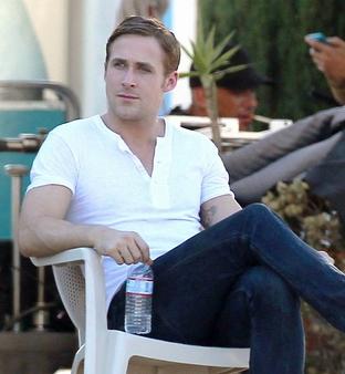 Ryan Gosling Tshirt & Jeans