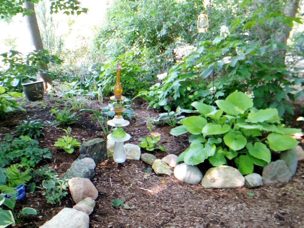 garden-sitting-area-in-back.jpg