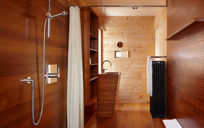 Timber panelled shower room by Peter Zumpthor