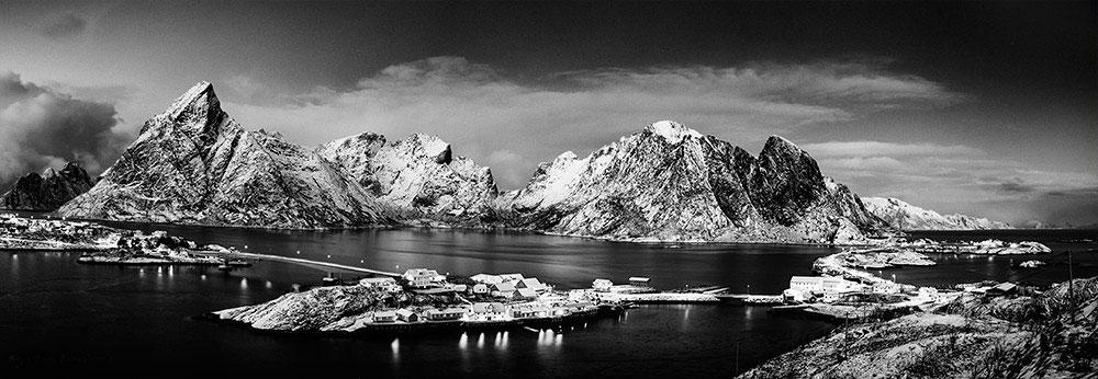 2016-Lofoten-panorama-fjord-WEb-1000.jpg