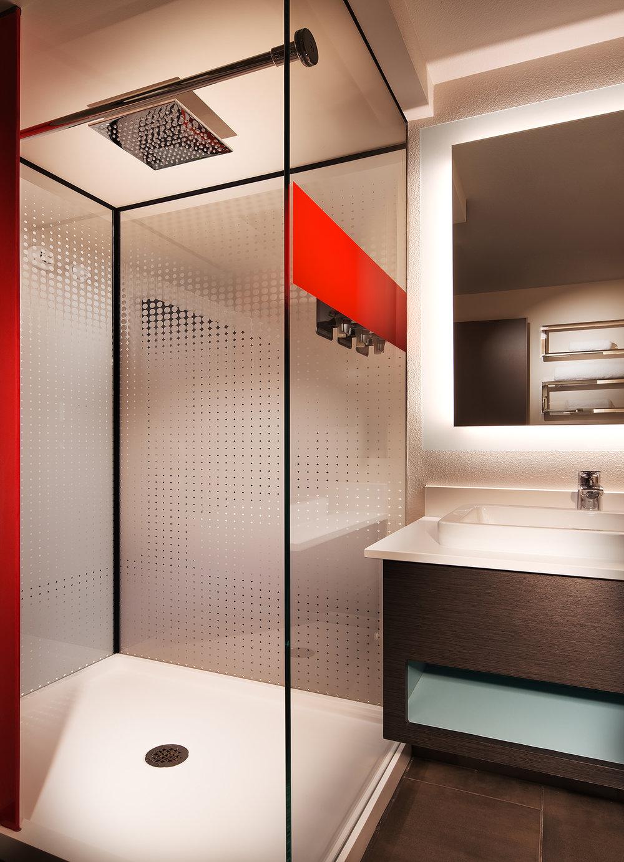 Bathroom (2)jpg3.jpg