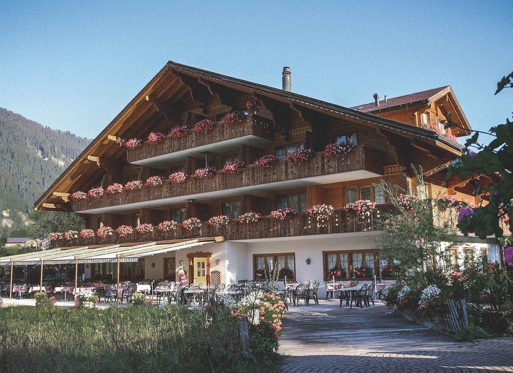 Alpenland-Sonnenterasse.jpg