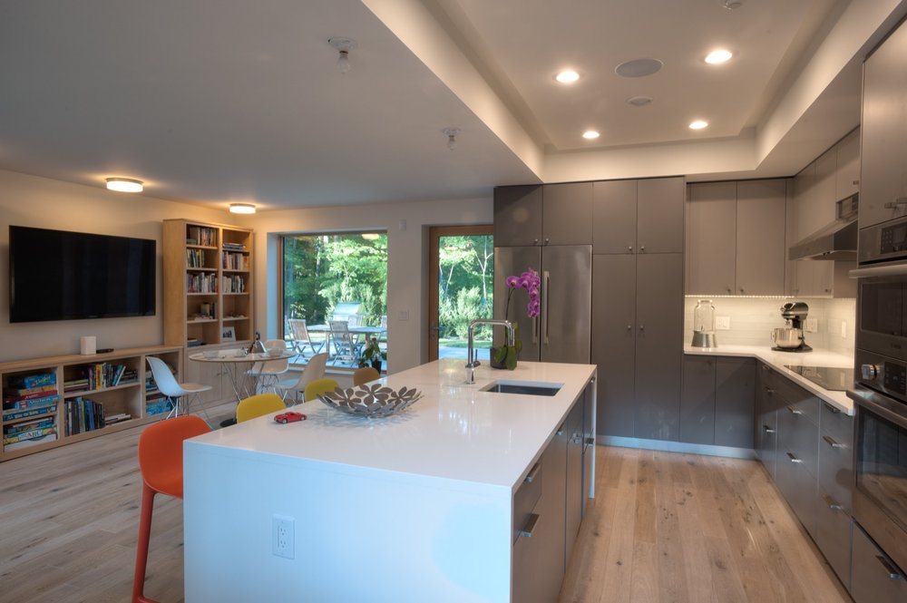 Kitchen and breakfast nook.