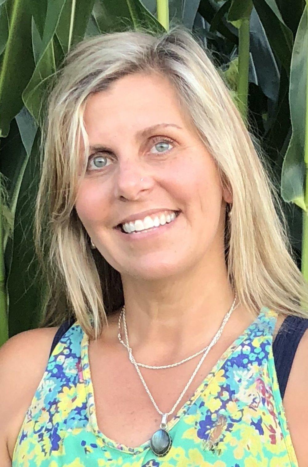 Julie Woodrow - Headshot