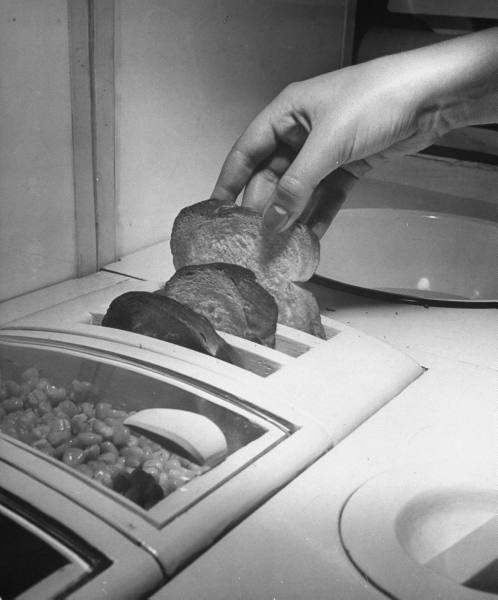 1943 kitchen toast paleo-future.jpg