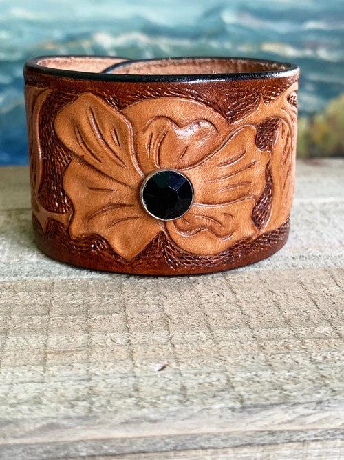 Sandi Woods Art — Handmade Leather Goods | Sandi Woods Art