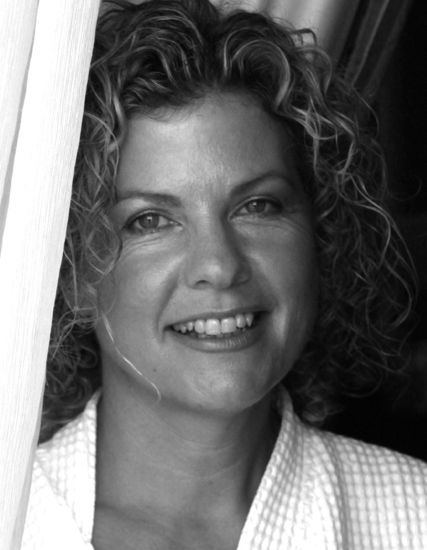 Liz Jollife - Owner and principle stylist, Liz has worked in the industry for x years, having built a loyal clientele during this time.