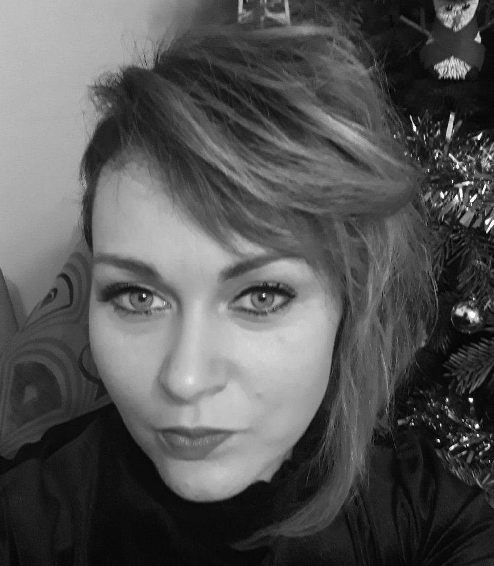 Lou - I have been in the industry for 20 years and a senior stylist at First Impression for 6 years. My specialised skills include Brazilian Blow-dries and creating stylish long hair cuts.