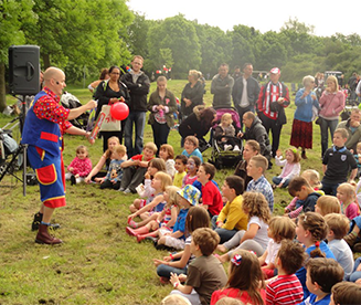 childrens-party-entertainer-essex-001.png