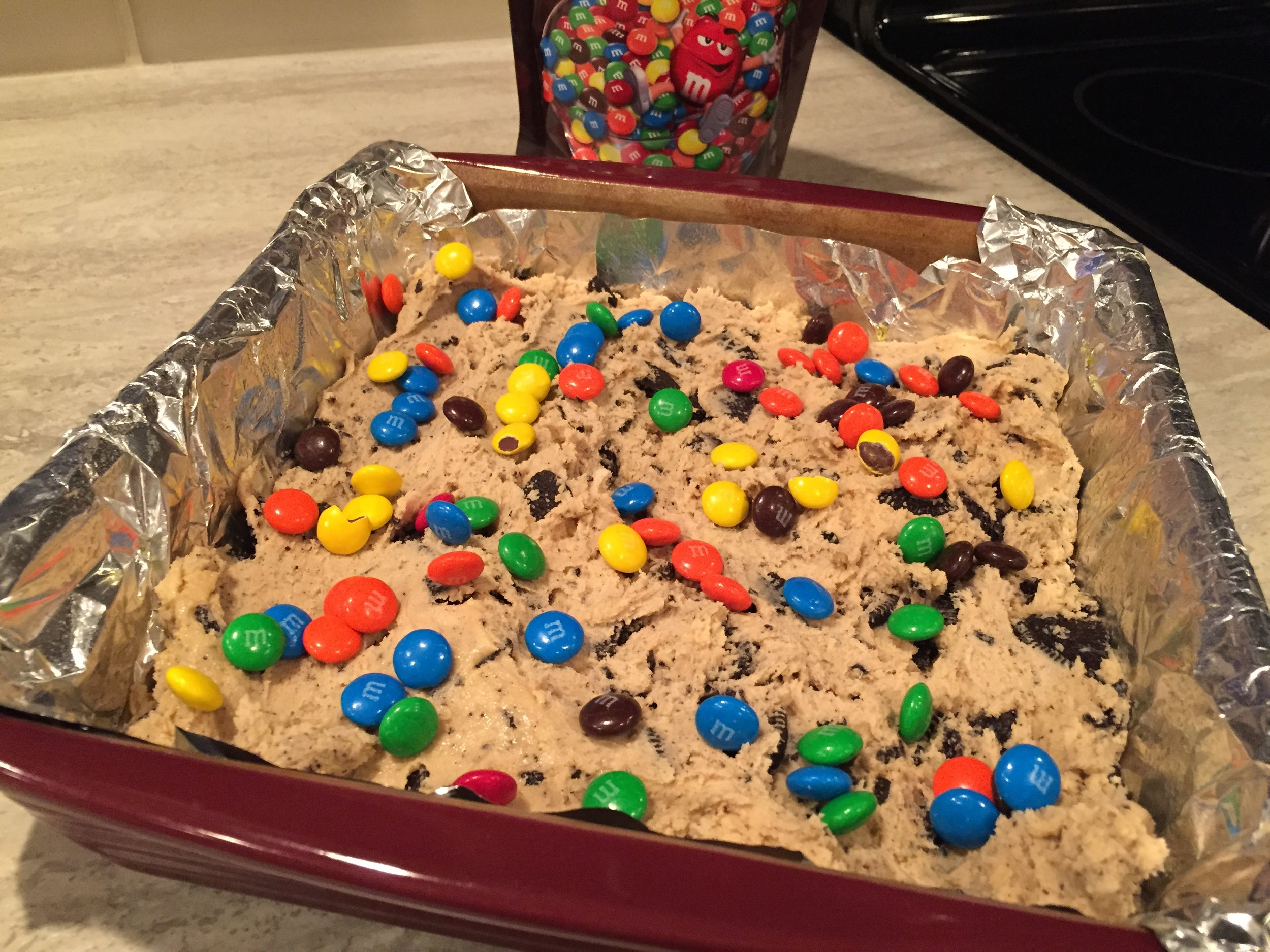 Baking, Cookie squares, The Everyday Journalista, Fun for kids squares, Easy baking, Oreos, M&M's