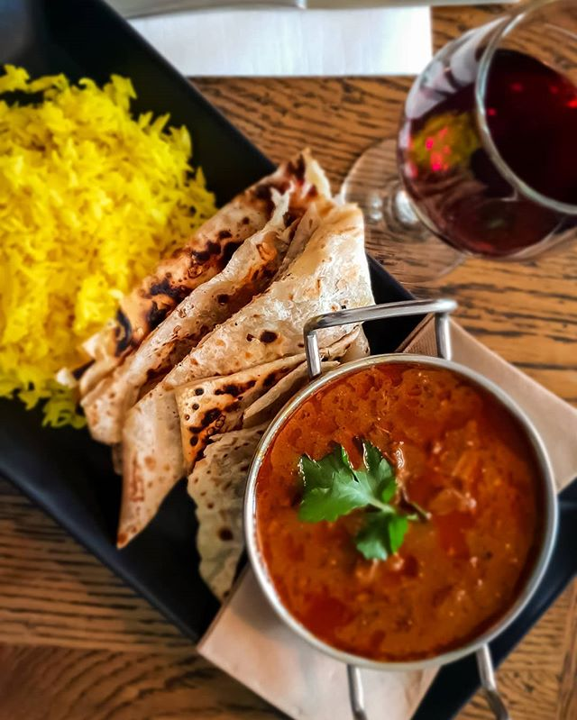 Winter seems to have creeped back in this week! 😨😅 at Bells Hotel our curry of the week will chase away any winter blues! 😍👌🍻 #curryoftheweek #curry #bellshotel #southmelbourne
