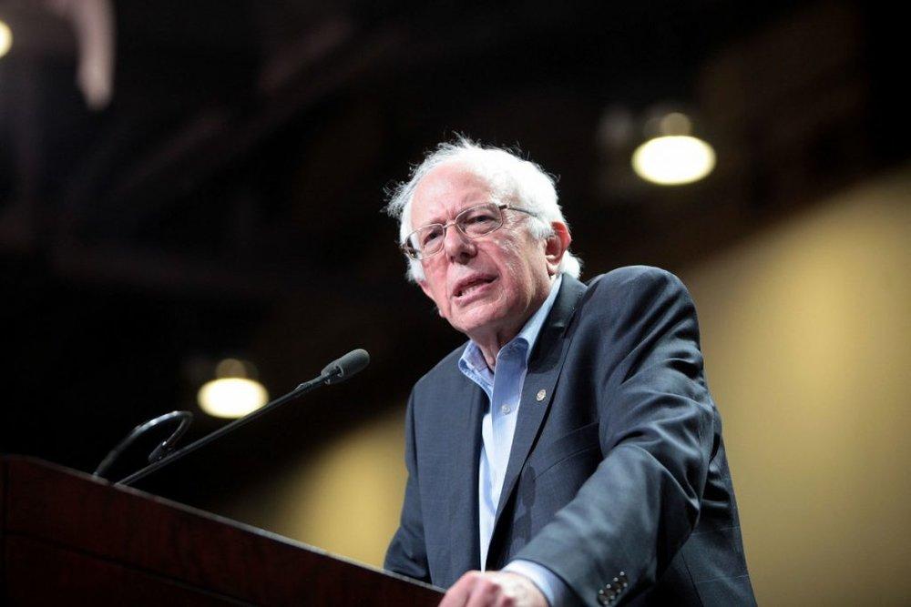 Bernie_in_Phoenix_2015_2.jpg