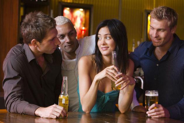 guys-flirting-bar-main