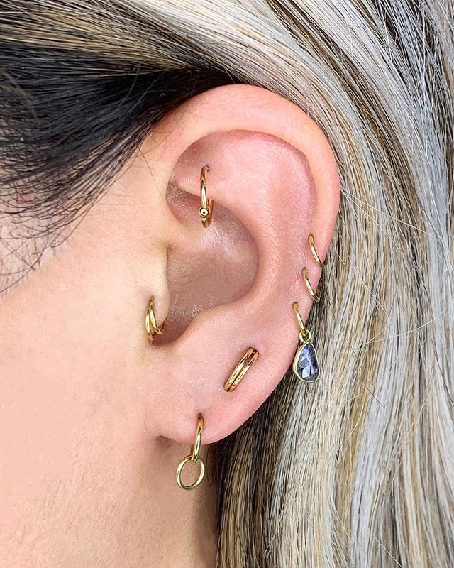Rachel worked with Cassi to make new using jewelry she already owned. By stacking hoops and adding a sapphire dangle this simple look is completely refreshed.