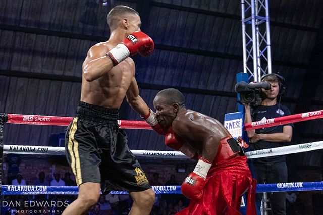 Dula throwing fists🔥🥊🔥🥊 #kalakodaboxing #kwesesports #capetownboxing