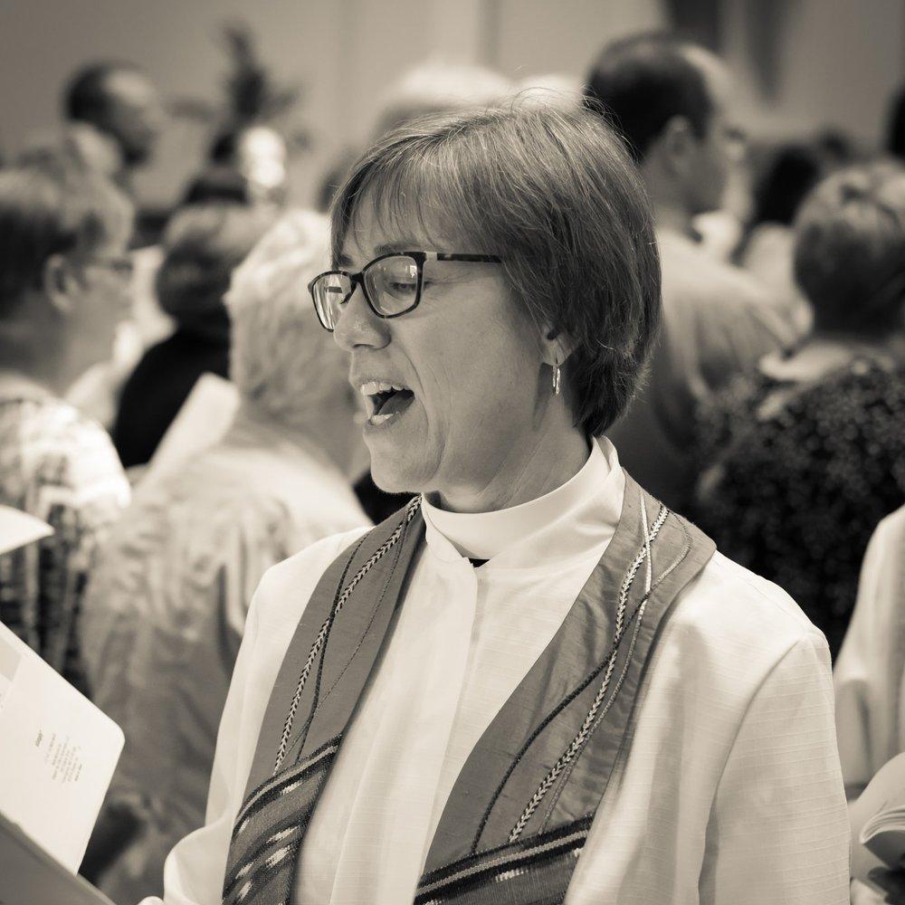 The Very Rev. Amy E. McCreath    Dean    617-482-5800 x204