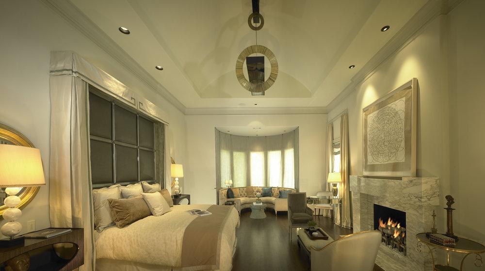 Master-Bed-10x5.6x300.jpg