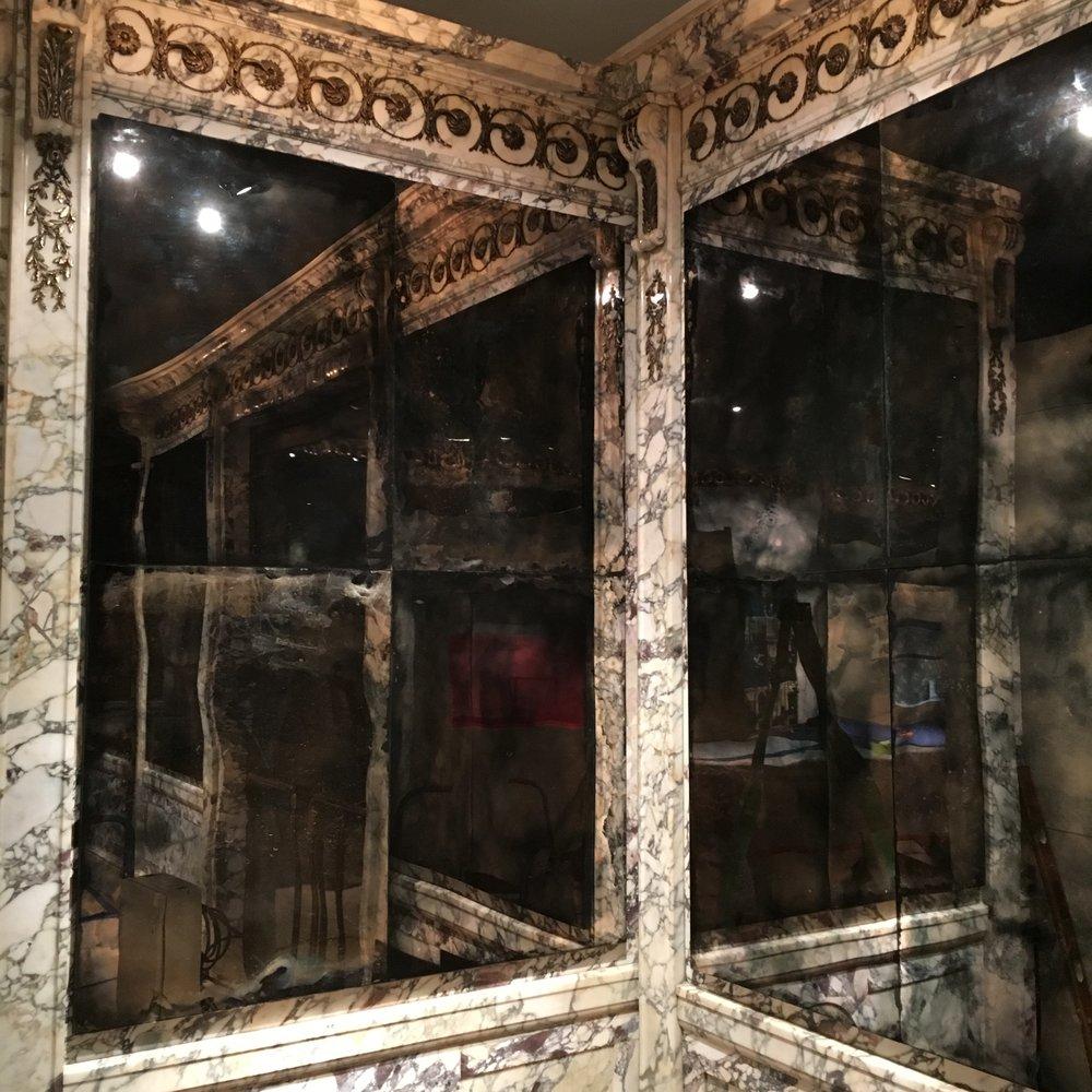 1 NewYorkPublicLibrary mirrors.JPG