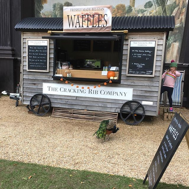 All set up at the @thelarmertree earlier today for Spooktacular! In front of the singing theatre with one of the resident peacocks lining up for a waffle #dorset #wiltshire #mobilecatering #peacock #belgianwaffles #porkribs #waffles #shepherdshut