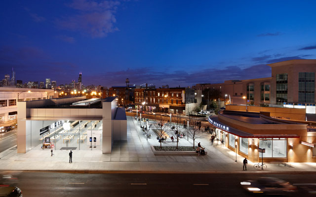 Apple Store and Plaza at North Avenue