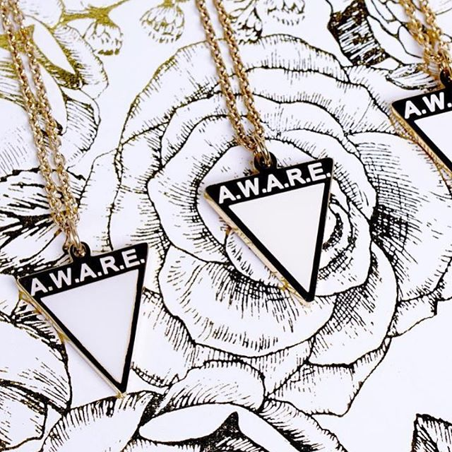 @awarecauses • A.W.A.R.E. is a brand with a purpose, raising awareness for causes that need attention. They have different coloured necklaces for the different causes/conditions. White is for mental health ✌🏻 Make sure to give them a follow and support their initiative! #awarecauses • • • • • • #mentalhealthmatters #mentalhealthstigma #mentalwellness #mentalhealthadvocates #mentalhealthadvocate #mentalhealthjourney #mentalhealthwarriors #brandswithpurpose #downtowntoronto #newviewcollective