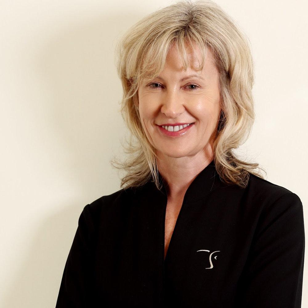 Carolyn Nicholls   Clinical Nurse Specialist / Research Manager / RN
