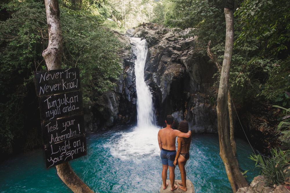 Hasil gambar untuk aling aling waterfall
