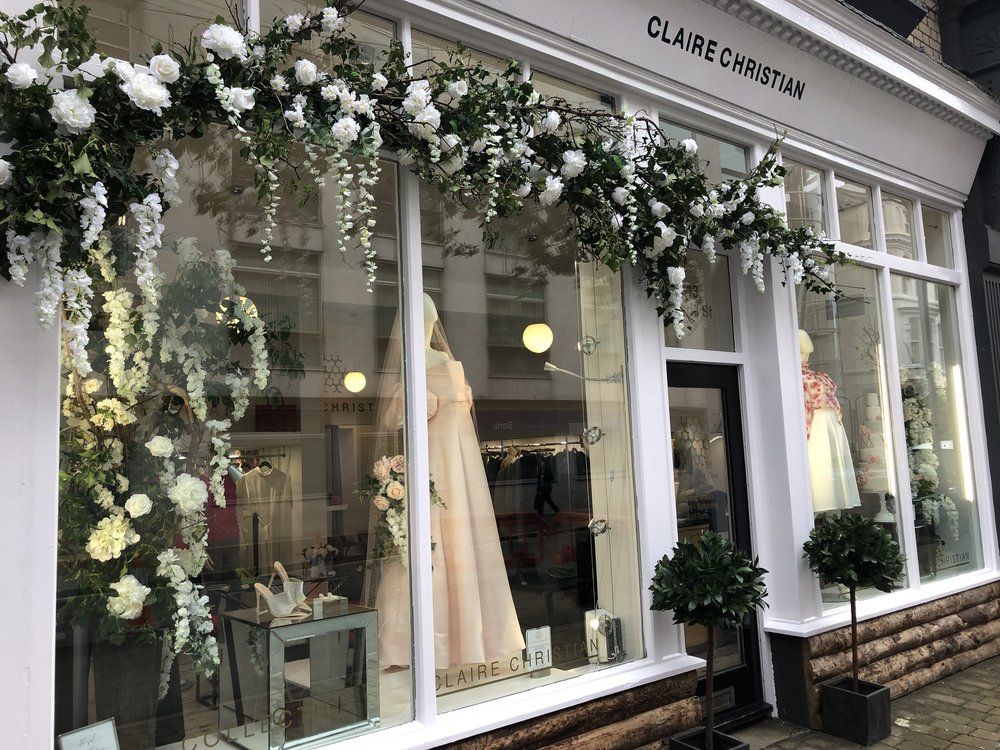 Location: Claire Christian Couture  Designer: Heidi at The Flower Studio  Spring Flower Installation February 2019