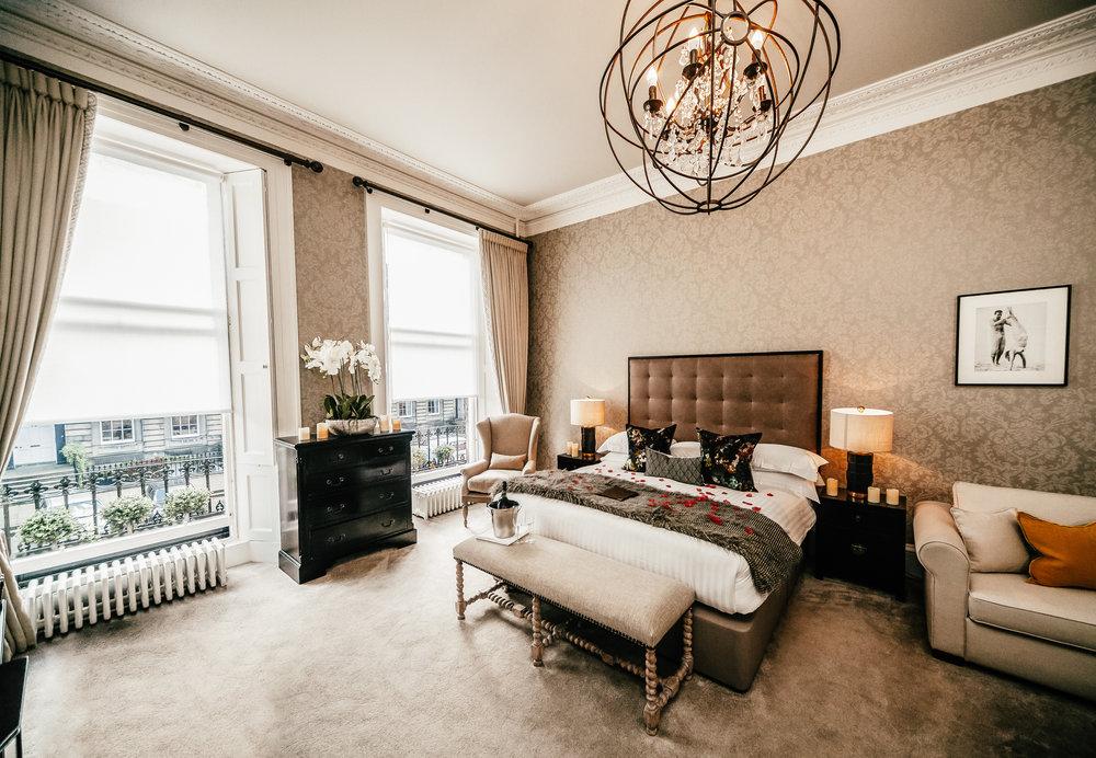 NIRA-Romantic-Room-7.jpg