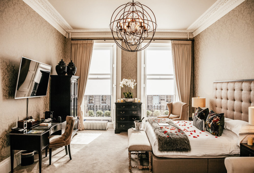 NIRA-Romantic-Room-20-2.jpg