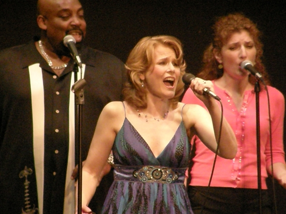 Julia toured around the US in her Inspirational concert, A Canvas of Colors with singer/musicians Margaret Dorn, Keith Fluitt, Bobby Douglas, and Jillian Armsbury and Bobby Stanton.  Picture with Julia: Bobby Douglas and Jillian Armsbury