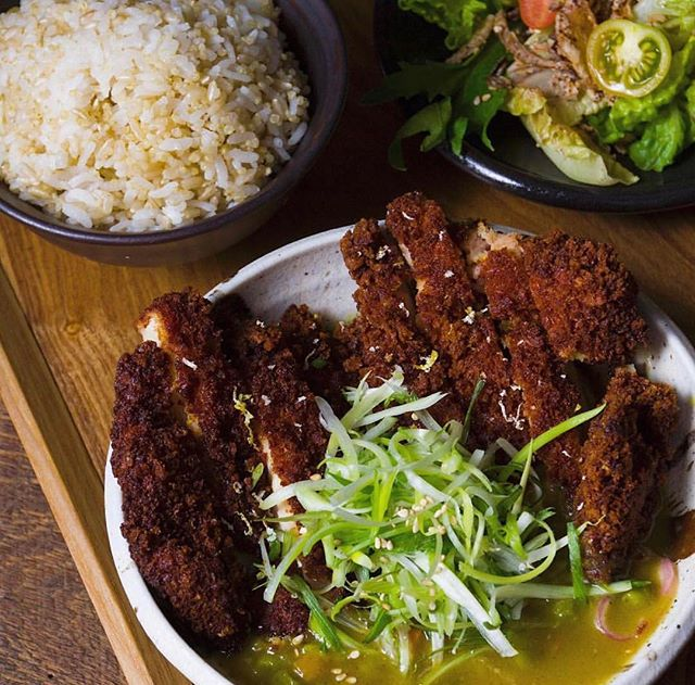 We know we're best known for our fire noodles (for a good reason, too) but have you ever tried our Chicken Curry Katsu? 🤤It's our Crispy chicken with Korean Madras curry sauce served with a side salad, seasonal banchan (side dishes), rice, and soup. #mokbar
