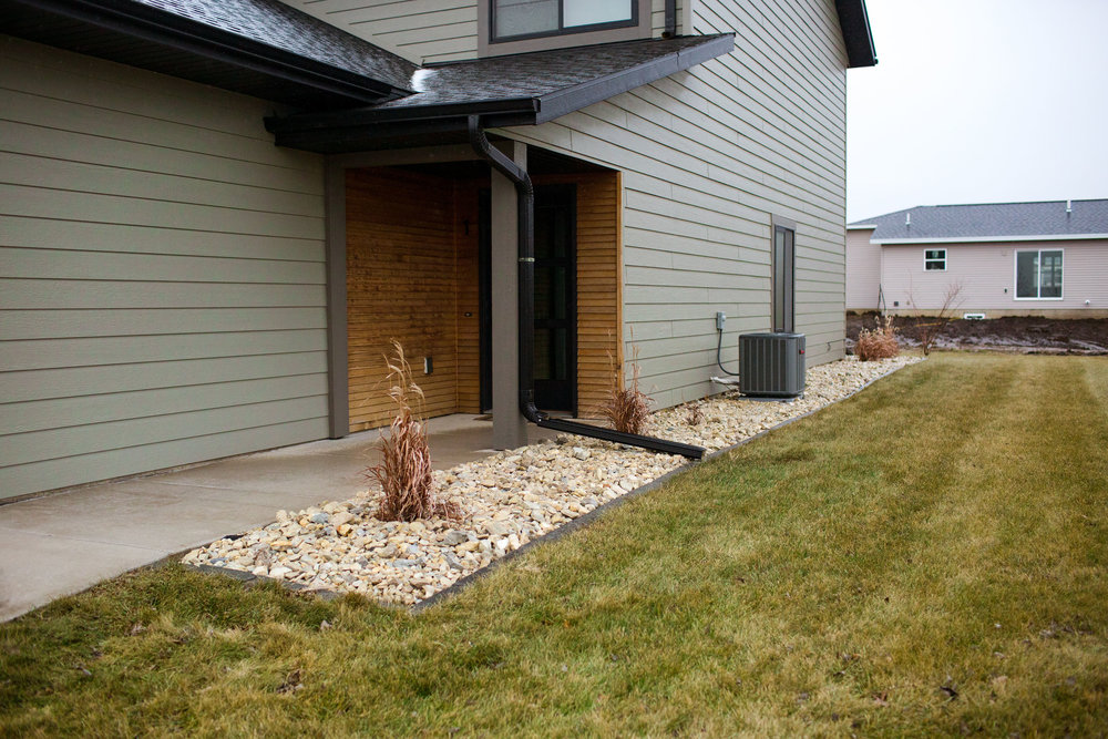 Sioux Center Townhomes Lanscape.jpg