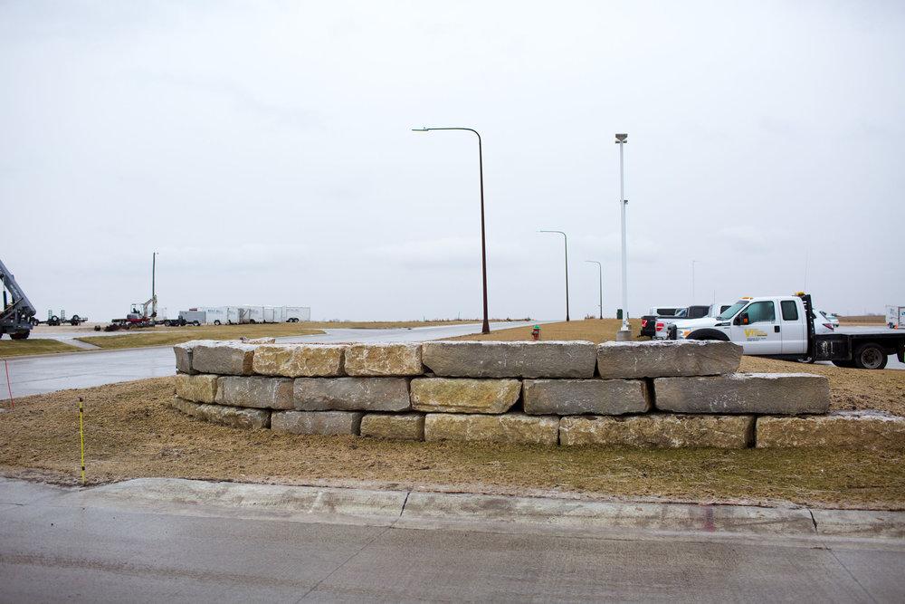 Ledgerock Retaing wall Sioux Center 3.jpg