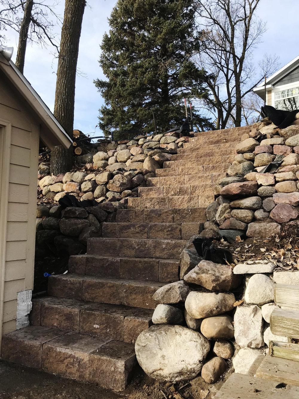 Retaining Wall Steps.jpg