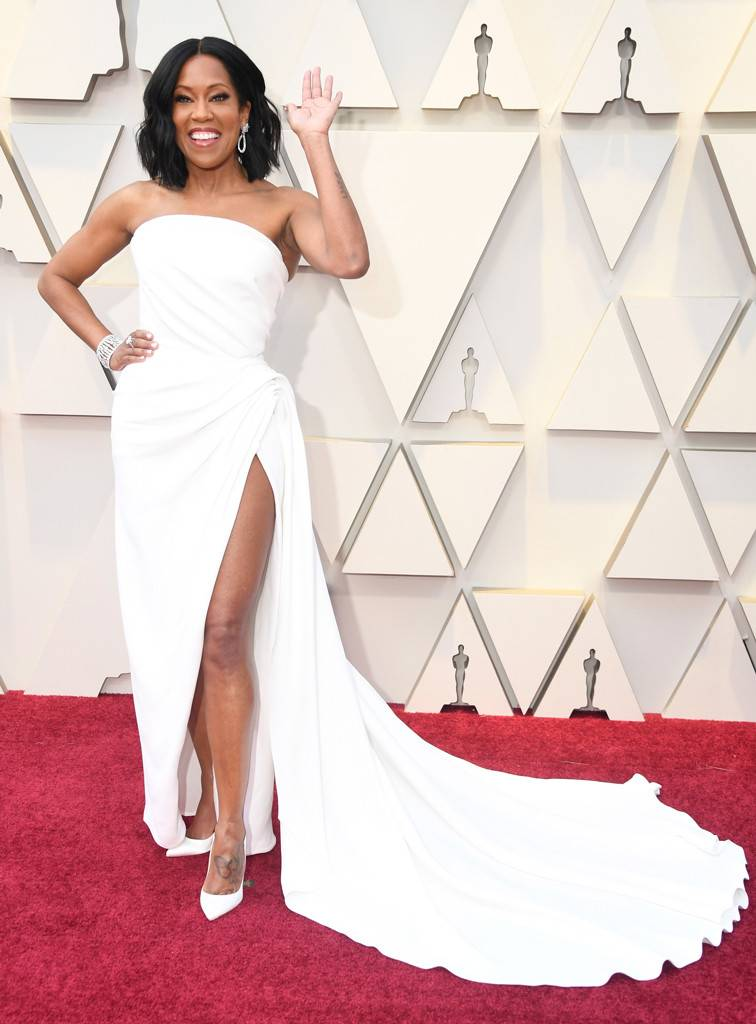 Regina King - Regina was a vision. This high slit and extra draping was a beautiful balance of sexy and classy. And that movie-star smile with just the right amount of jewelry sold the whole look.