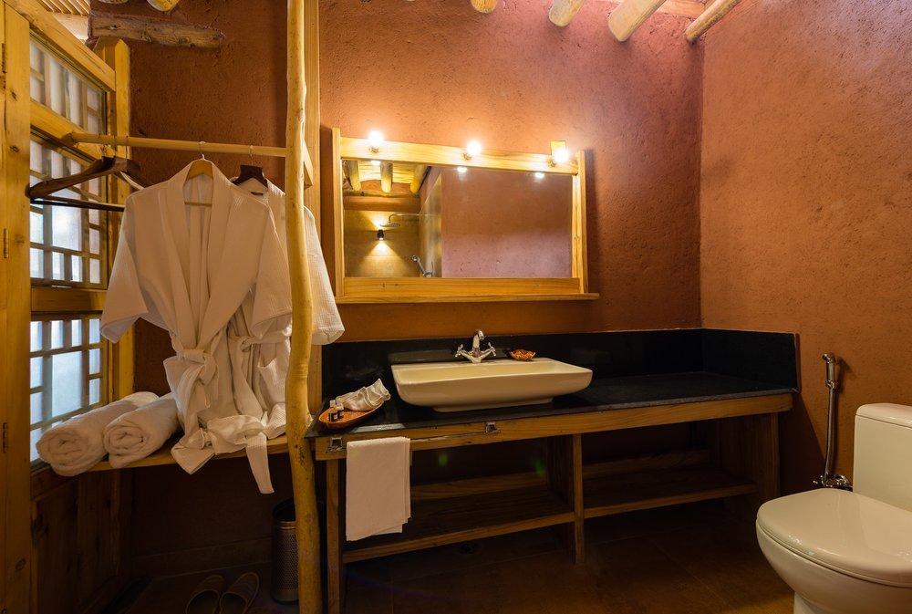 CBV bath room1.jpg