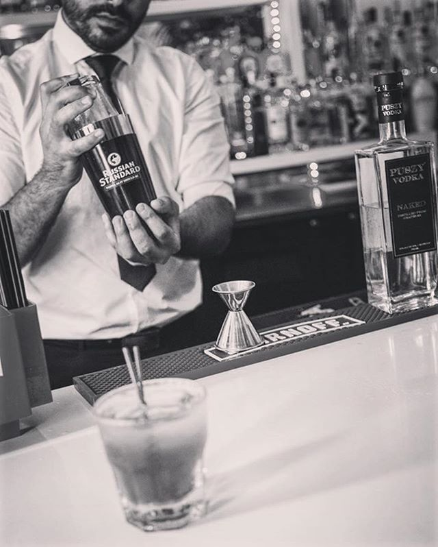 It's Monday, treat yourself 👍 #puszyvodka #monday #happyhour #Repost @catalinahotel ・・・ The Red Bar in the Catalina is full of fun and great people. See you soon. . . . #cocktails #happyhour #sbghotels #nymiasc #mia #miami #southbeach #redbar #catalinahotel
