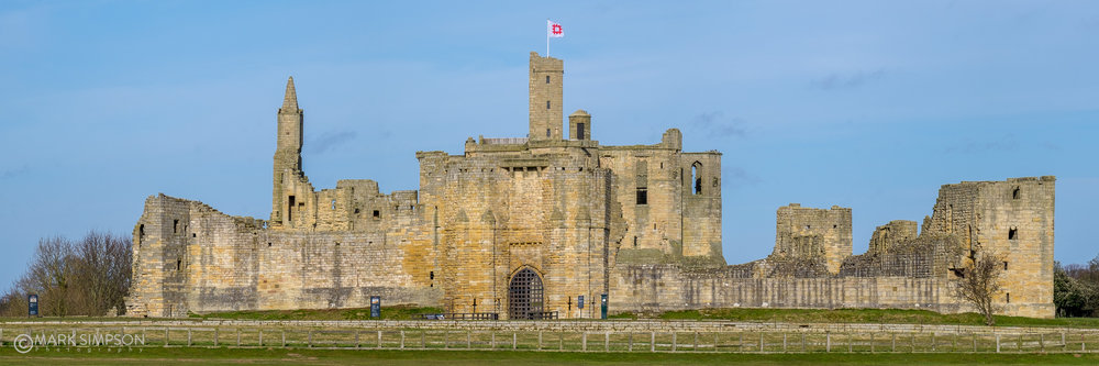 Warkworth Castle, Northumberland. (Fujifilm X-T1, Fujinon XF 55-200mm F3.5-4.8 R LM OIS at 116mm, 1/180 f16, ISO200) A stitch of 6 vertical frames.