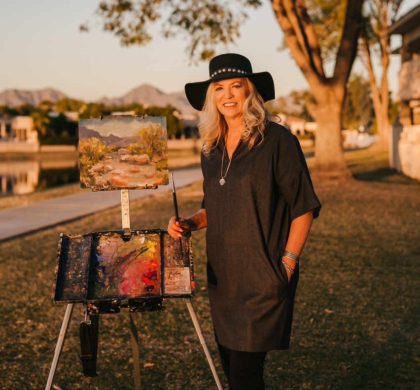 Hey there, I'm Carrie Curran. I'm an artist, entrepreneur, and teacher in Scottsdale, AZ. -