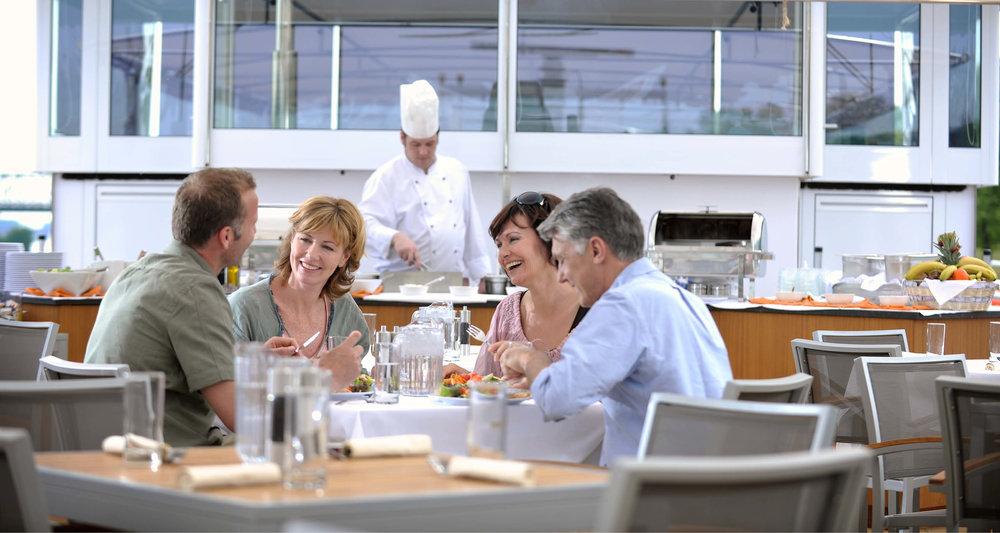 Dream-Maker-Travel-Ship-Avalon-Tranquility-II-Restaurant.jpg
