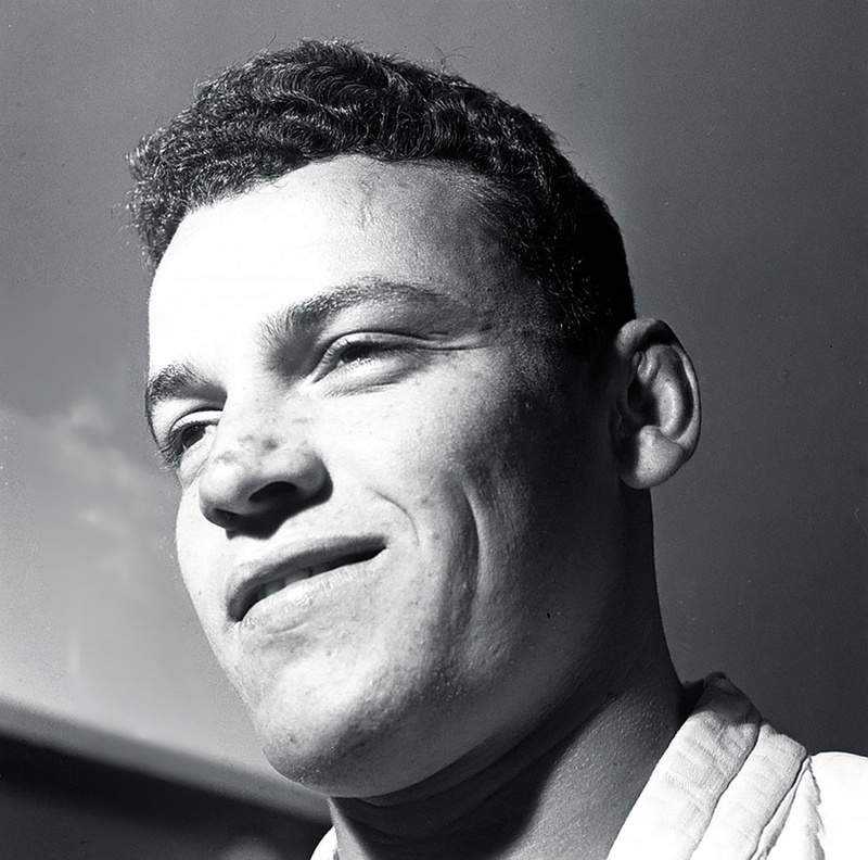 Carlson Gracie - 9th degree Red Belt and eldest son of Carlos Gracie. Undefeated Vale Tudo fighter and reigning world champ for over 20 years.