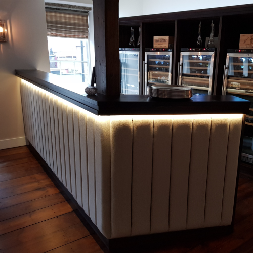 COMMERCIAL - We can create custom made Bar Tops, Display Cases, Tables and Chairs to make your space stand out from the crowd and utilise your space to its maximum potential.