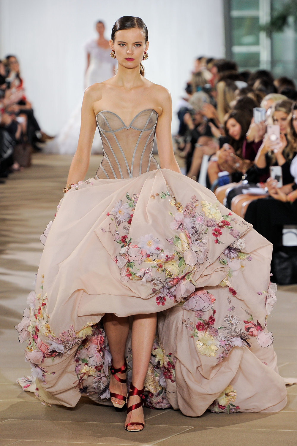 Bridal Fall 2019 Couture   JOURNEE    INQUIRE