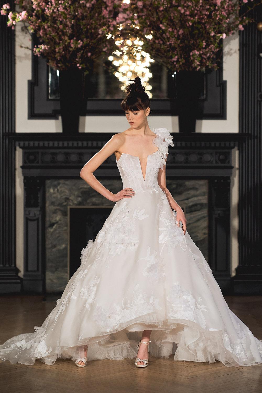 Bridal Spring 2019 Couture   CLAIRE    INQUIRE
