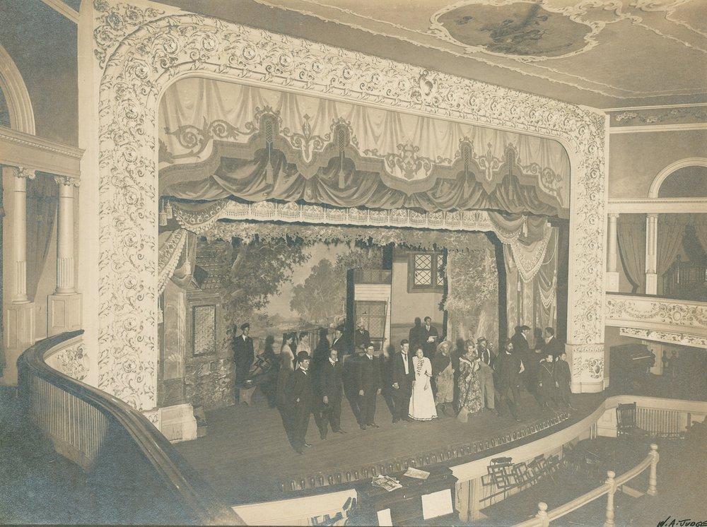 1902 show pic.jpg