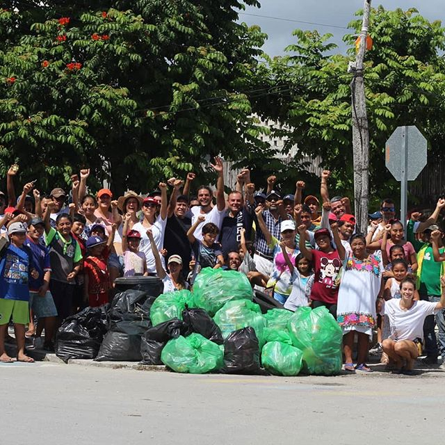 #letsallbemakers collected 134kg glass, 48kg plastic bottles & 3kg cans in 2 hours.