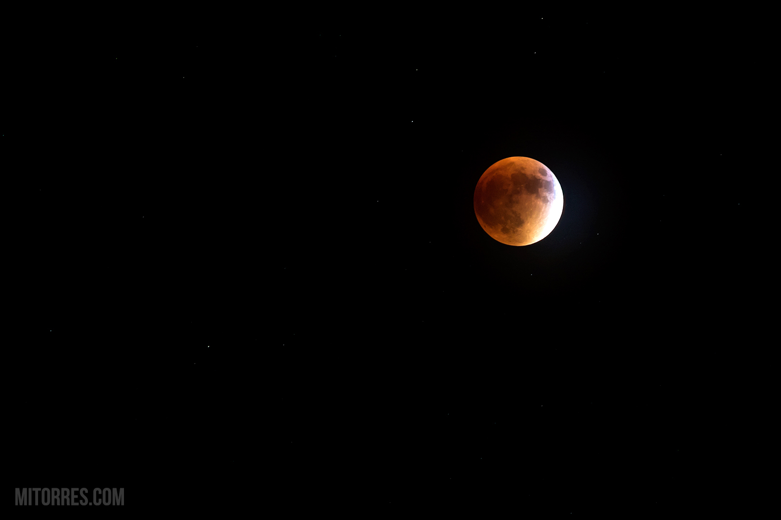 The Super Blood Moon over Florida, USA. September 27, 2015 @ 21:09 EDT. Photo: Marlon Torres