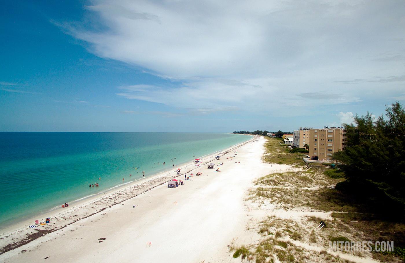 Holmes Beach, Anna Maria Island, Florida.  Photo: Marlon I. Torres